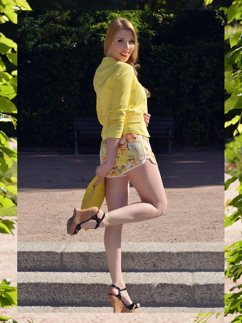 BelleMelange_Outfit_Non-Stop-Summer-Gelb-Shorts-Blazer-1