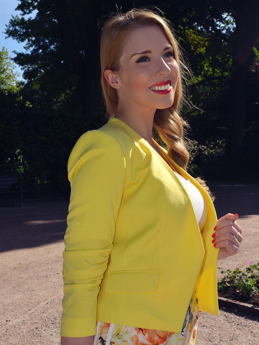 BelleMelange_Outfit_Non-Stop-Summer-Gelb-Shorts-Blazer-11