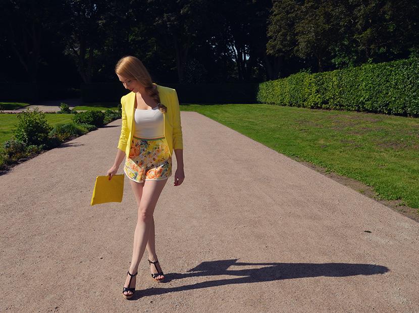 BelleMelange_Outfit_Non-Stop-Summer-Gelb-Shorts-Blazer-4