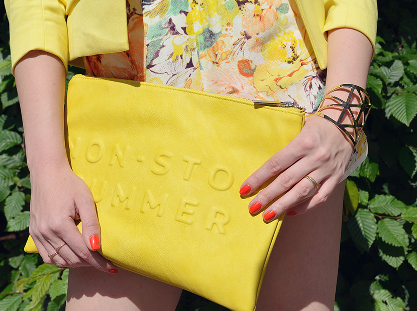 BelleMelange_Outfit_Non-Stop-Summer-Gelb-Shorts-Blazer-7