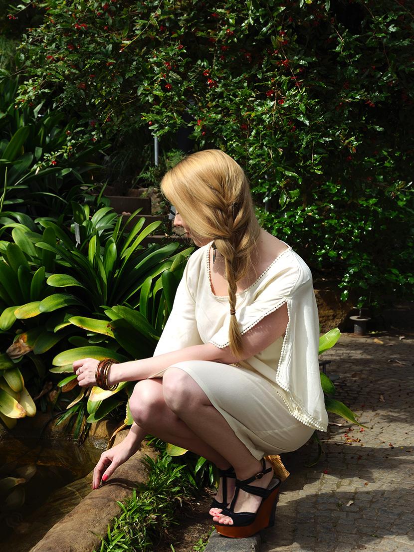Dschungelfieber-Outfit_BelleMelange_Kleid_Wedges_Pfau_9