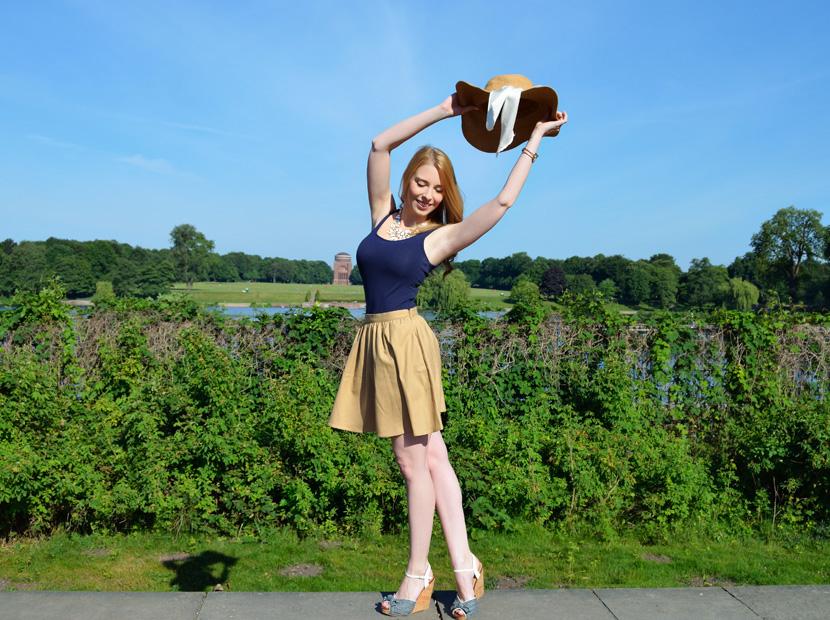 Outfit_BelleMelange_Morgensonne_Wedges-Strohhut-3