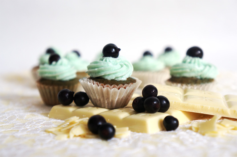 PastelMiniCupcakes_Lemon_Raspberry_Blueberry_Rezept_Anleitung_Backen_BelleMelange_11