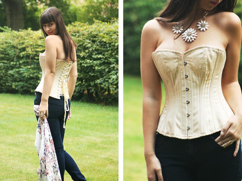 02_HowToWearACorset_fashion_outfit_CorsetStory_BelleMelange_Kimono