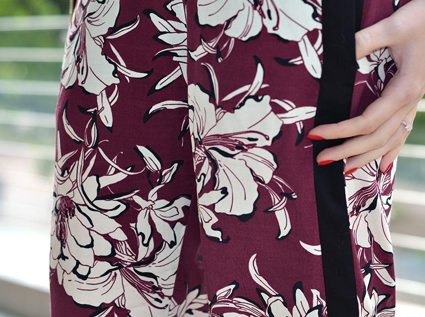 Black-Summer_Belle-Melange-Blog-Outfit-Top-schwarz-Blumen-Hose-Zara-3