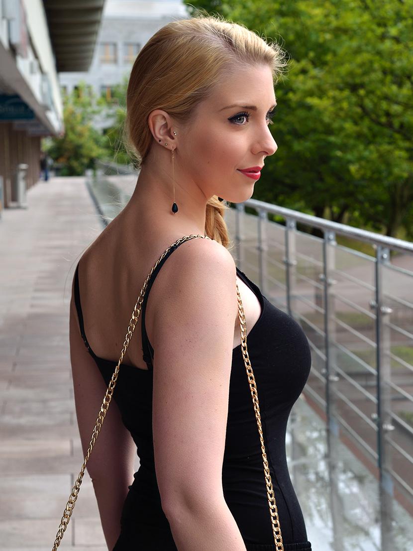 Black-Summer_Belle-Melange-Blog-Outfit-Top-schwarz-Blumen-Hose-Zara-7