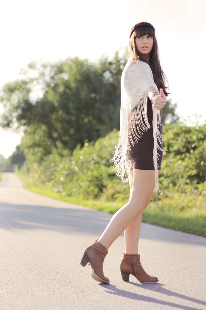 LetsGoAnywhere_Fashion_Outfit_ootd_Roadtrip_Street_Boots_BelleMelange_01