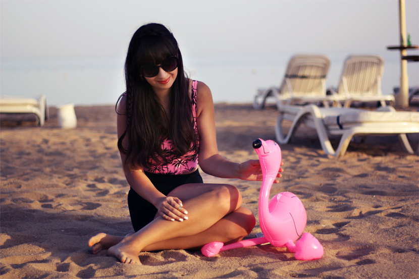 PinkFlamingoSummerAffair_Fashion_Corptop_Outfit_Palms_Sea_BelleMelange_06