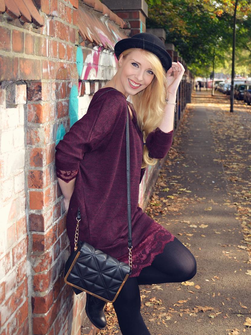 1_Blog_Belle-Melange_Fallen-Leaves_Outfit-Bordeaux_Spitze_Oversize-Pullover