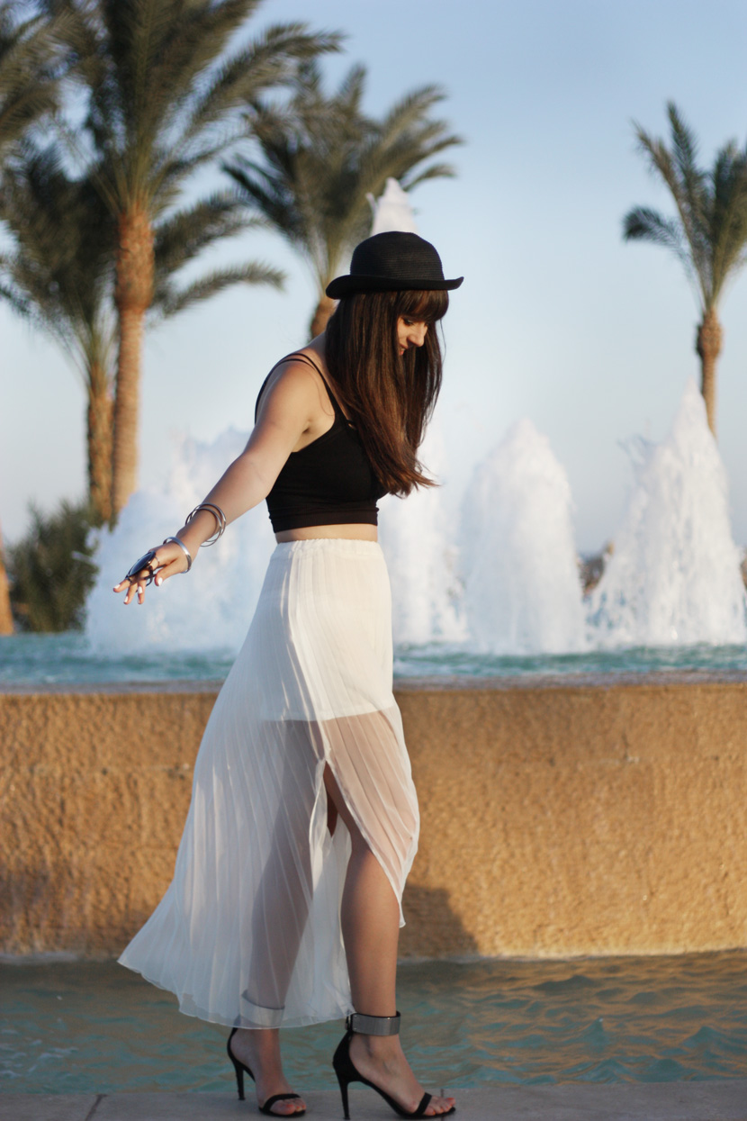 SaltInTheAir_Summer_Holiday_Outfit_LongWhiteSkirt_Croptop_Summer_Zara_ootd_BelleMelange_10