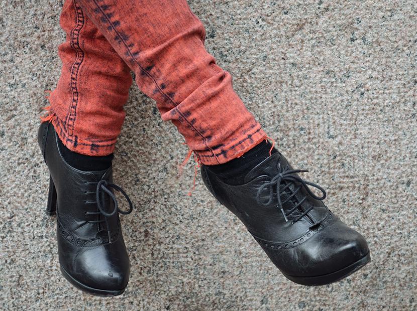 Blog_Belle-Melange_Fashion_Outfit_Black-jacket-and-red-lips_Basics_1