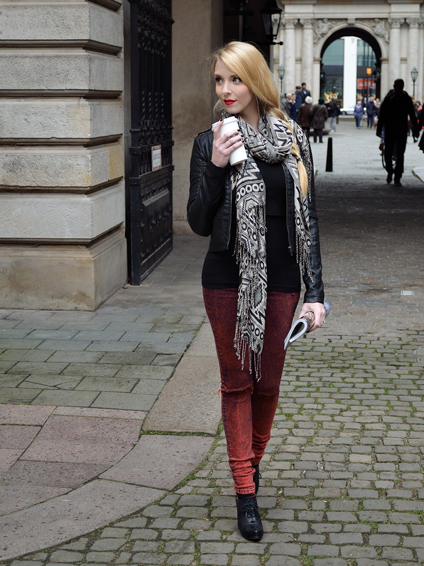 Blog_Belle-Melange_Fashion_Outfit_Black-jacket-and-red-lips_Basics_10