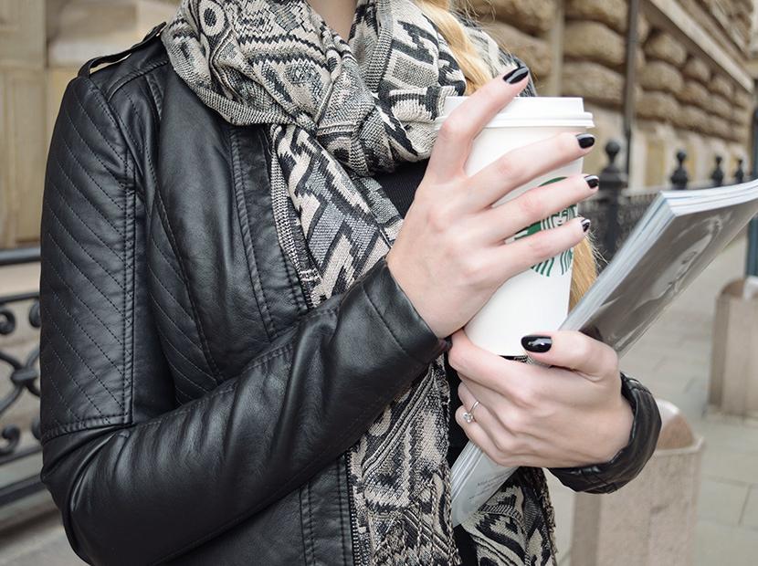 Blog_Belle-Melange_Fashion_Outfit_Black-jacket-and-red-lips_Basics_2