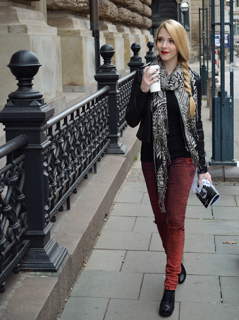 Blog_Belle-Melange_Fashion_Outfit_Black-jacket-and-red-lips_Basics_9