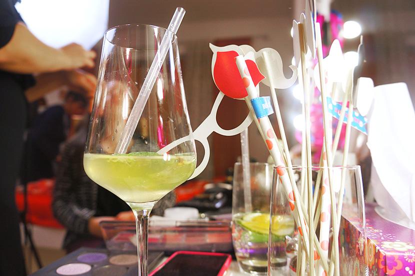Couch&SloggiNight_Party_magazin_Girls_dance_beauty_BelleMelange_07