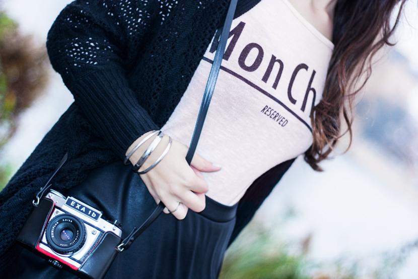 MyEyesTakePhotos_Camera_Fashion_Outfit_Reserved_Hat_Black_BelleMelange_10