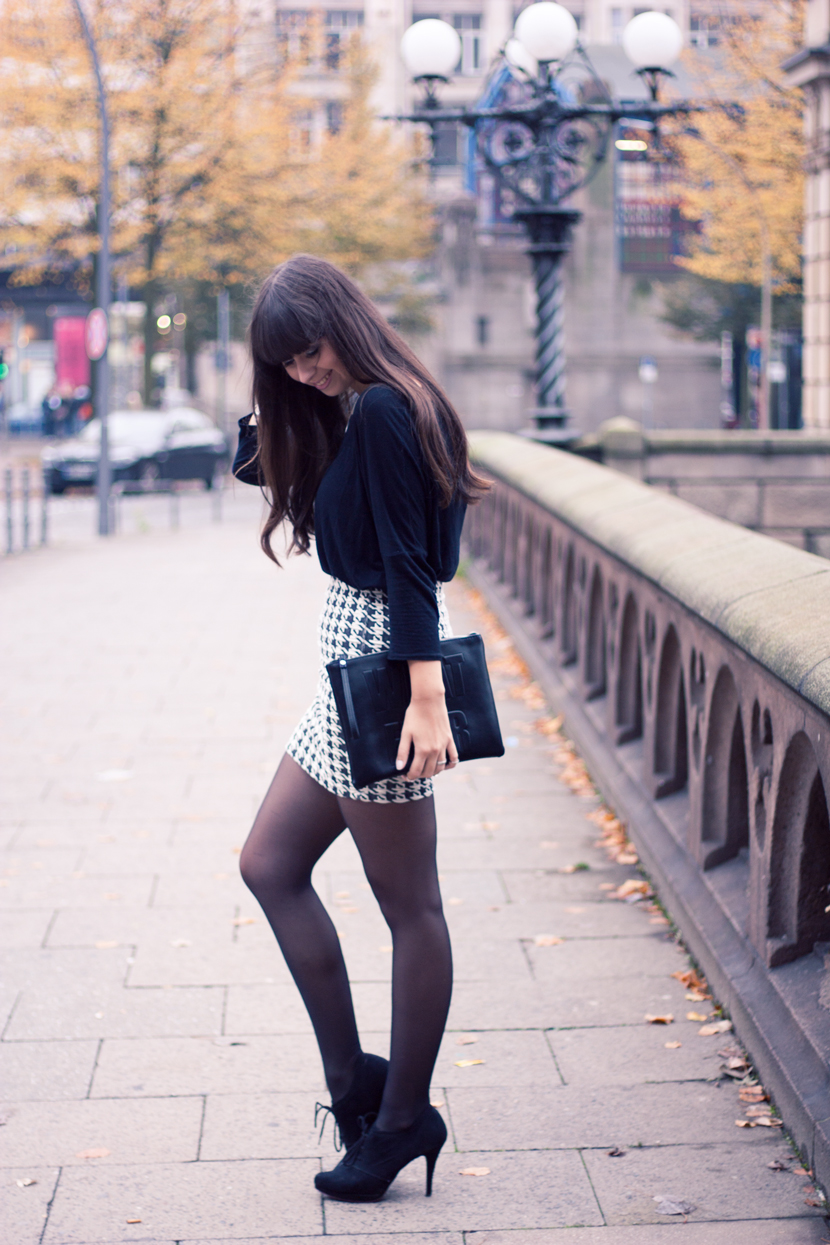 Whatever_Clutch_Hamburg_Outfit_Fashion_Pieces_Bridge_BlackWhite_BelleMelange_01