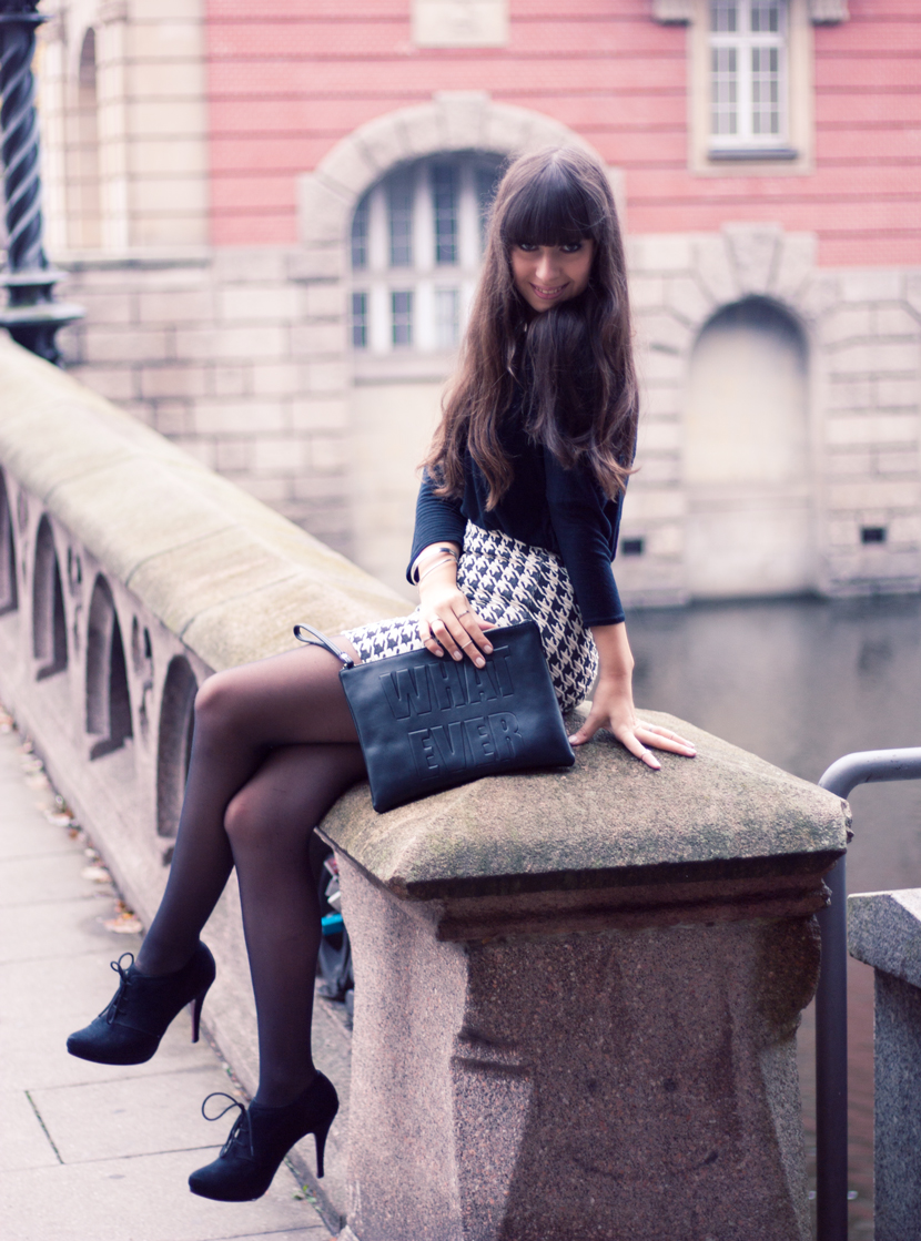 Whatever_Clutch_Hamburg_Outfit_Fashion_Pieces_Bridge_BlackWhite_BelleMelange_07