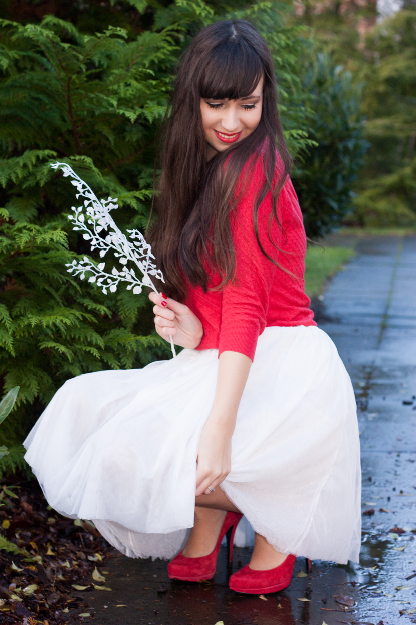 ChristmasGirl_Outfit_Fashion_Red_whiteskirt_BelleMelange_08