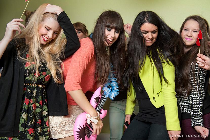 Couch&SloggiNight_Party_magazin_Girls_dance_beauty_BelleMelange_12n