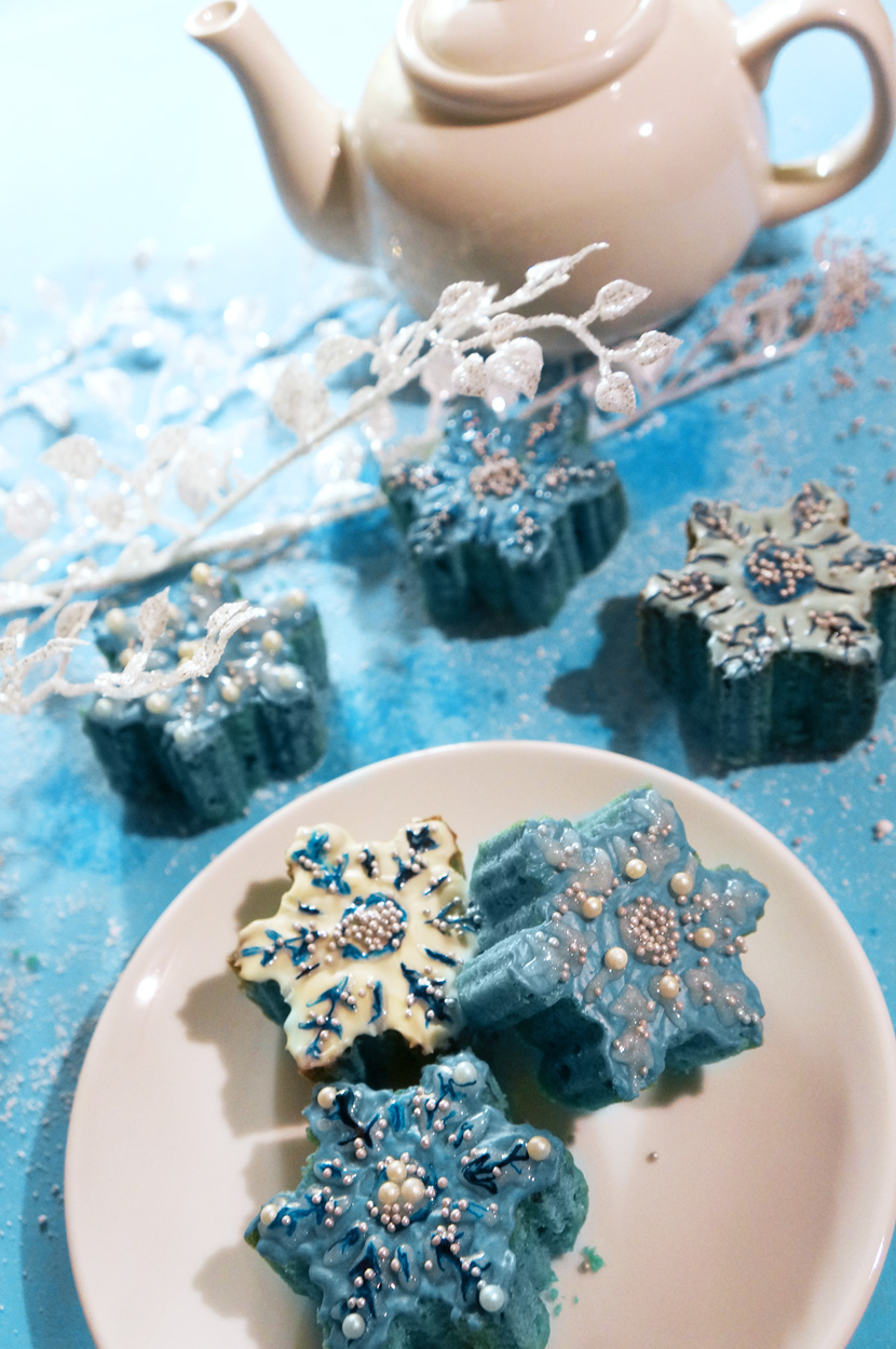 SnowflakeMiniCakes_Recipe_Backen_Delicious_Christmas_Sweet_BelleMelange_08