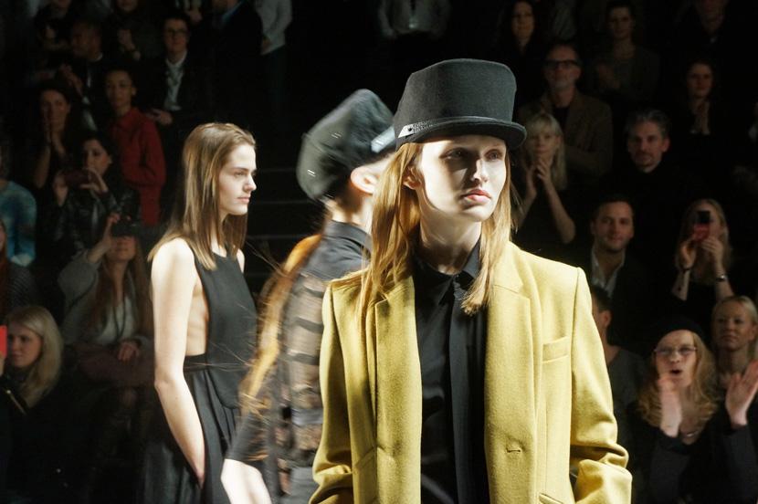 EstherPerbandt_MBFW_FashionWeekBerlin_BelleMelange_03