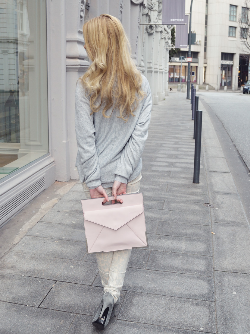 Pastell-Leo-Love_Blog_Belle-Melange_Fashion_Outfit_Rosa-Grau_11