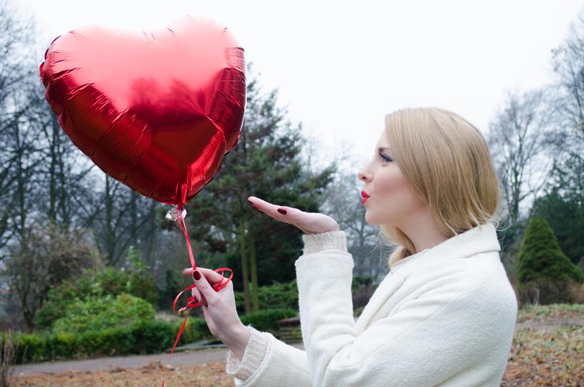TheHappyHeartsClub_ValentinesDay_Love_RedBalloons_BelleMelange_05