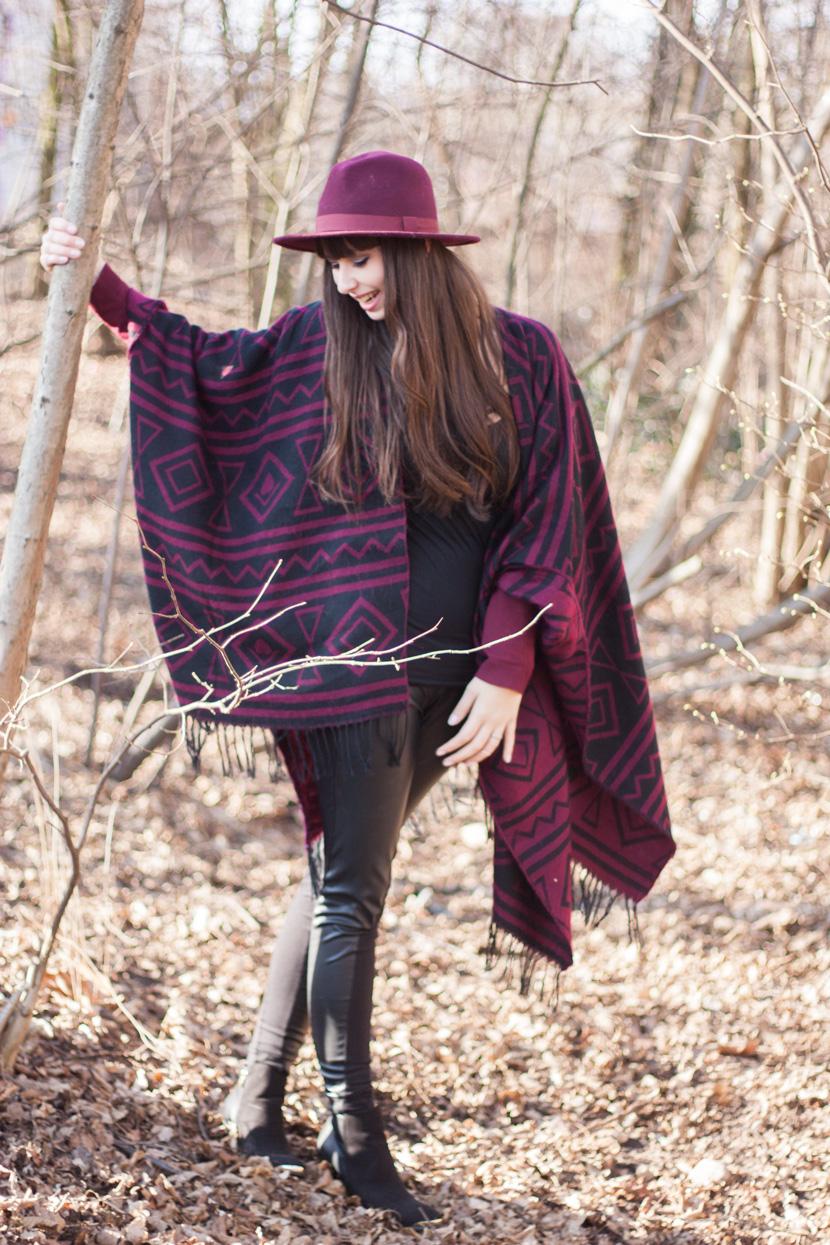 CapeTime_BrokeAndSchoen_Marsala_Wood_Fashion_BelleMelange_01