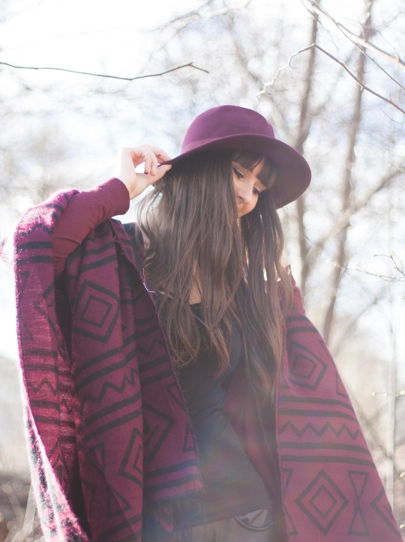 CapeTime_BrokeAndSchoen_Marsala_Wood_Fashion_BelleMelange_06