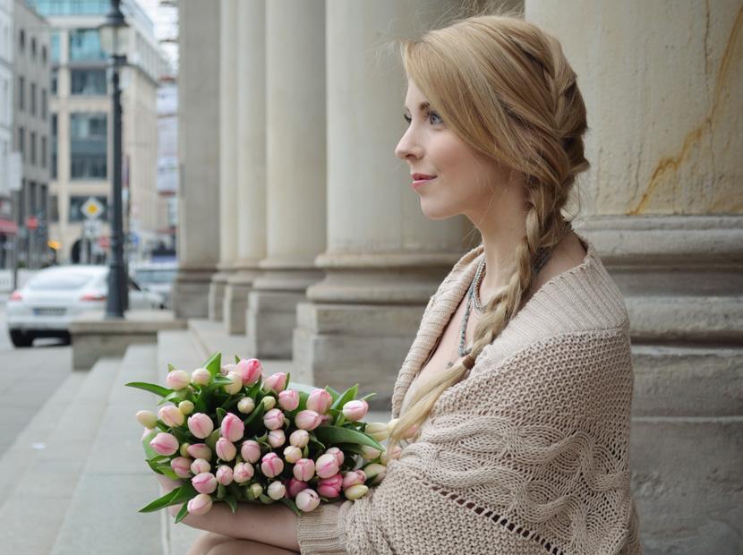 Caramel-for-Spring_Blog_Belle-Melange_Oversize-Strick-Cardigan_Stoffhose_10