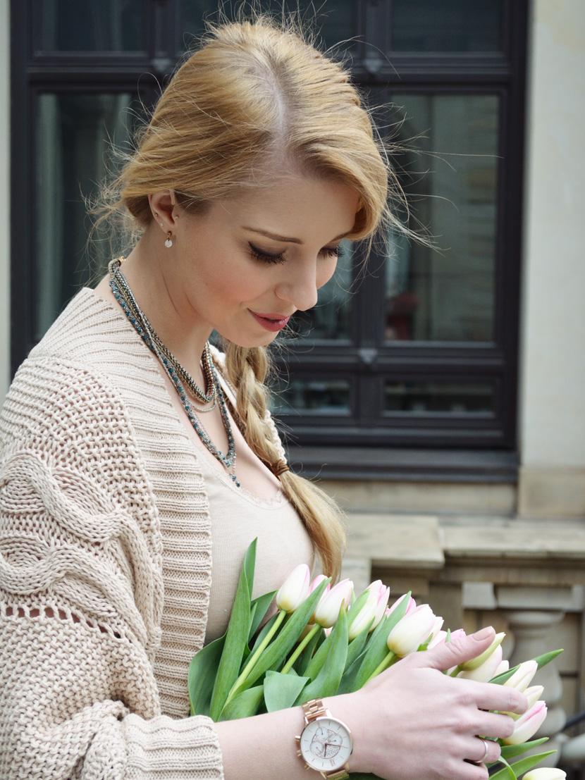 Caramel-for-Spring_Blog_Belle-Melange_Oversize-Strick-Cardigan_Stoffhose_9