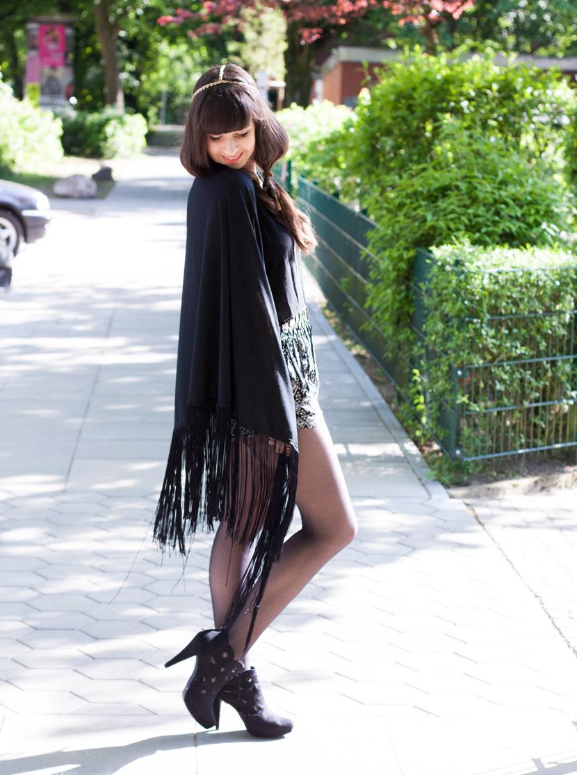 BohoVibes-BlackFringes-Outfit-Fashion-Forever24-BelleMelange-02