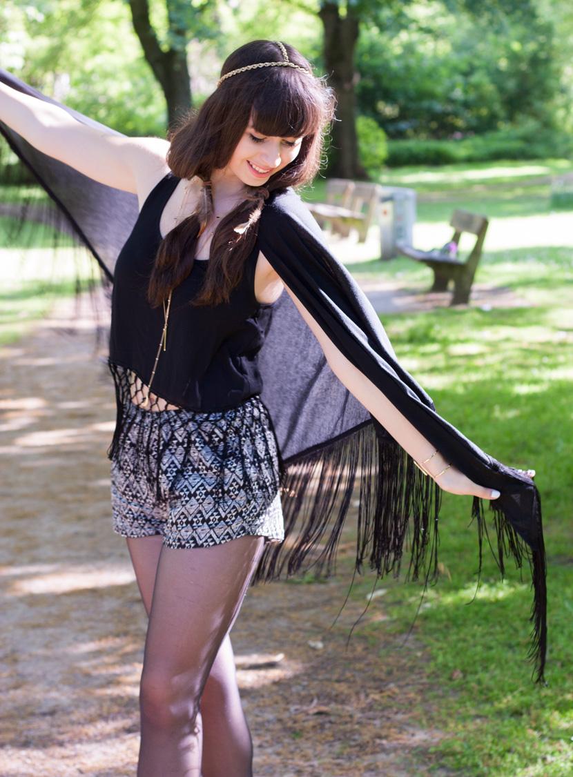 BohoVibes-BlackFringes-Outfit-Fashion-Forever24-BelleMelange-05