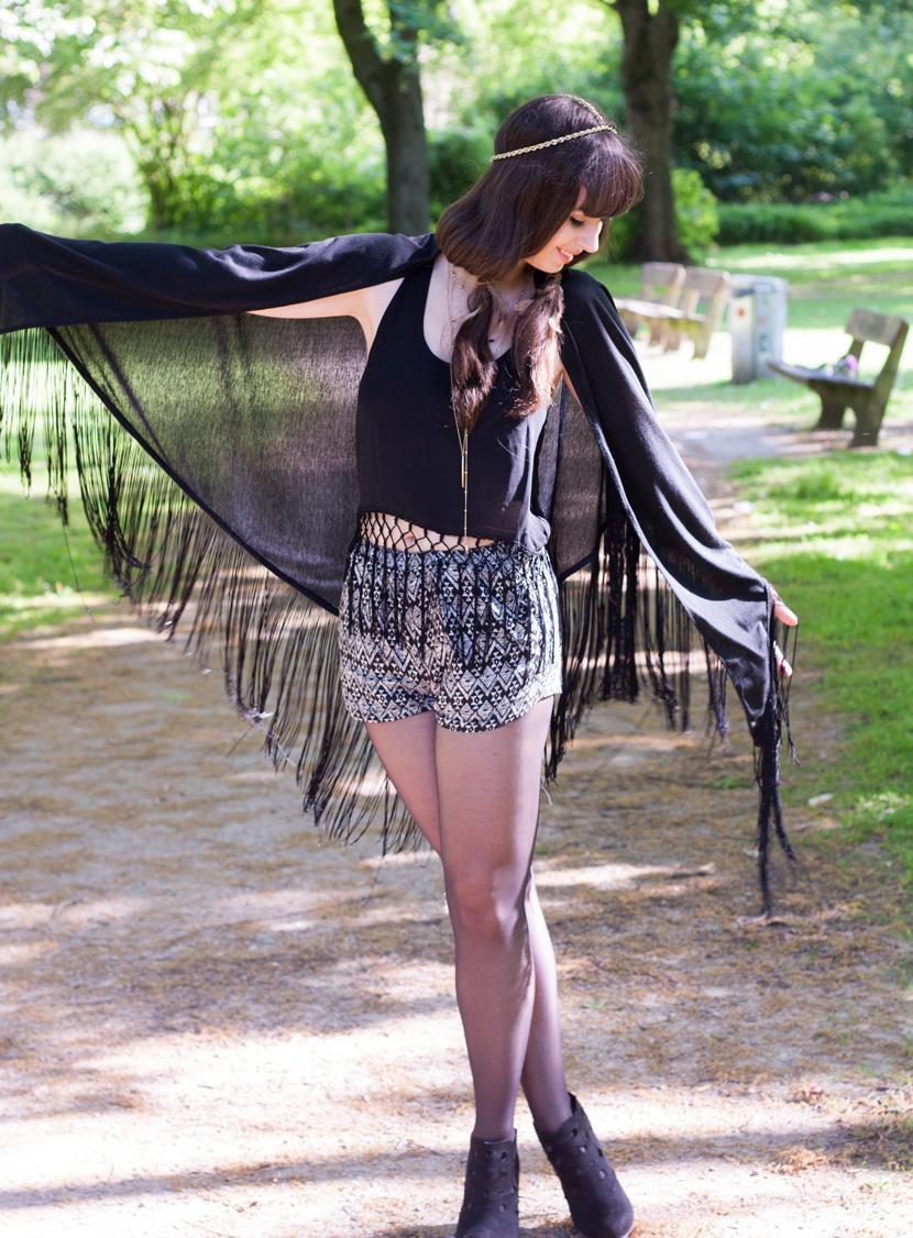 BohoVibes-BlackFringes-Outfit-Fashion-Forever24-BelleMelange-12