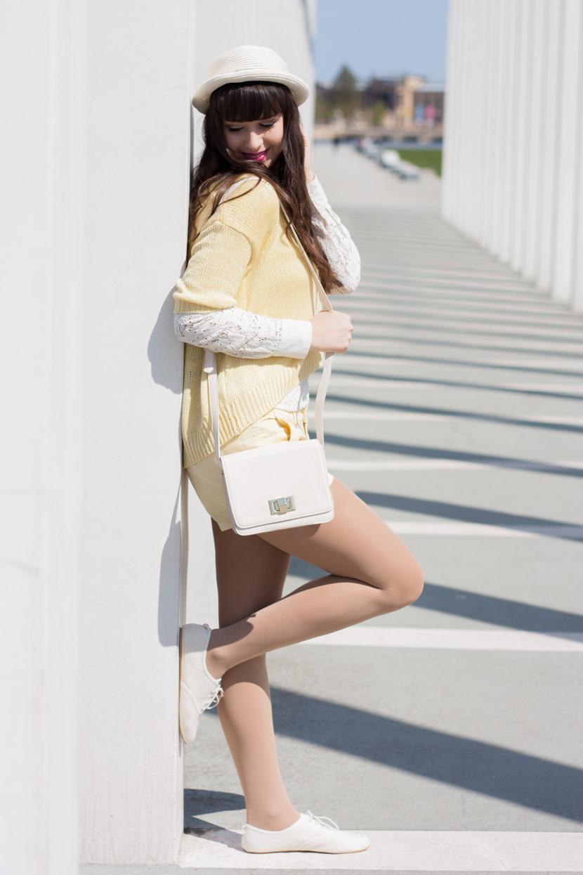 SunnyDay_YellowWhite_Schwerin_Ootd_BelleMelange_01
