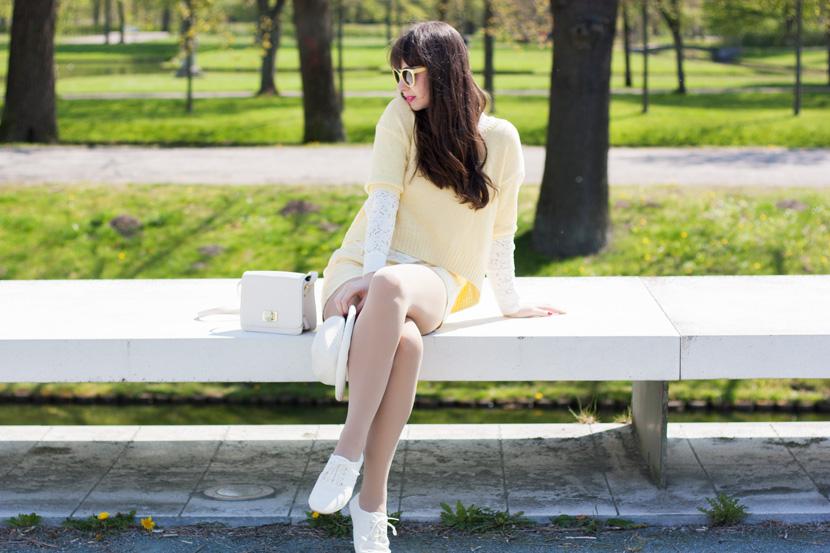 SunnyDay_YellowWhite_Schwerin_Ootd_BelleMelange_07