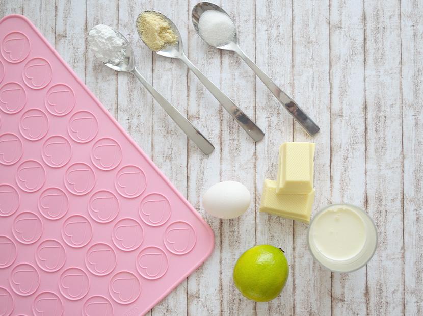 Weisse-Schokolade-Limetten-Macarons_Belle-Melange_Blog_Rezept_Backen_Delicious_1