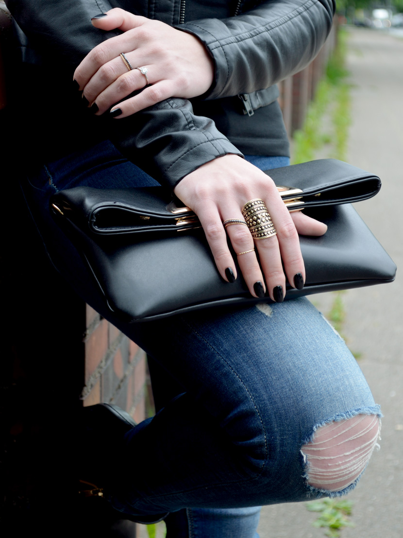 Basics-with-Twist_Blog_Belle-Melange_Lederjacke_Jeans_Clutch_Fashion_Outfit_8