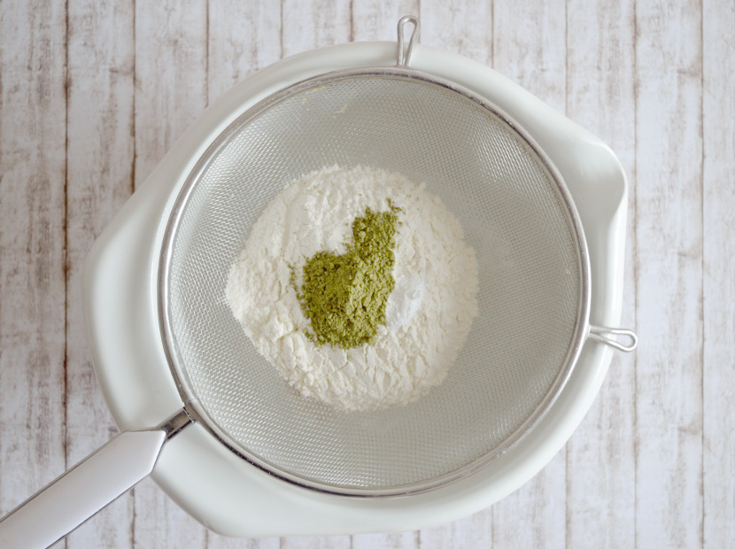 Matcha_Energy_Cookies_Blog_Belle-Melange_Rezept_Matcha-Tee_green_Schoko-Cookies_Backen_3