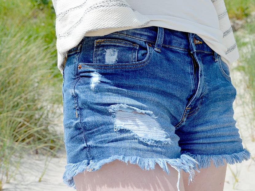 Ostsee-Liebe_Belle-Melange_Blog_Outfit_Fashion_Look_ootd_maritim_Shorts-Blazer_Streifen_3