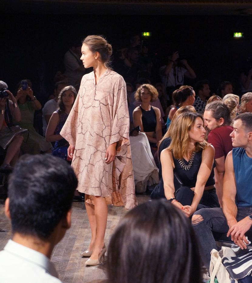 Desert-MarcelOstertag-MBFW-FashionWeek-Show-2015-BelleMelange-09