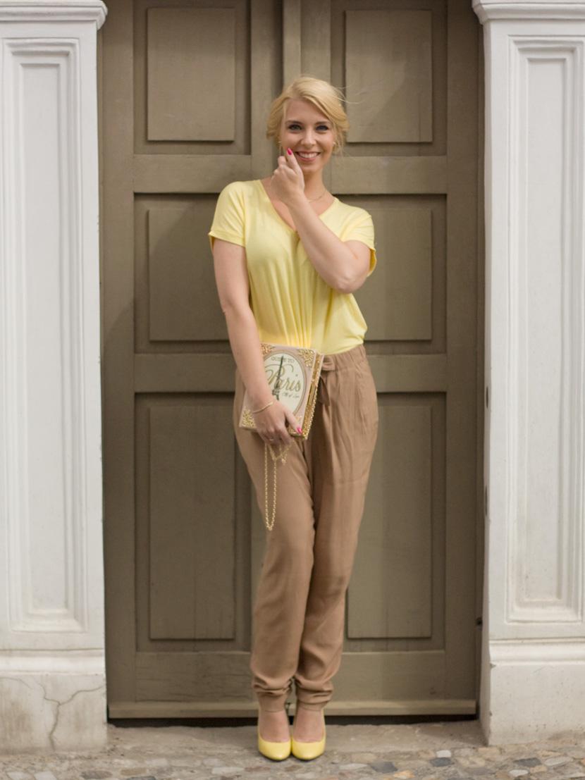 Little-Paris_Belle-Melange_Blog_Fashion_Outfit_Haarschmuck_besondere-Tasche_Buch_Clutch_10
