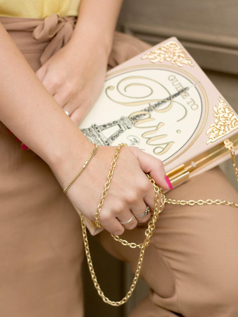 Little-Paris_Belle-Melange_Blog_Fashion_Outfit_Haarschmuck_besondere-Tasche_Buch_Clutch_3