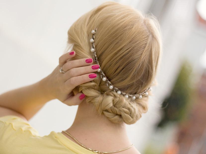 Little-Paris_Belle-Melange_Blog_Fashion_Outfit_Haarschmuck_besondere-Tasche_Buch_Clutch_6
