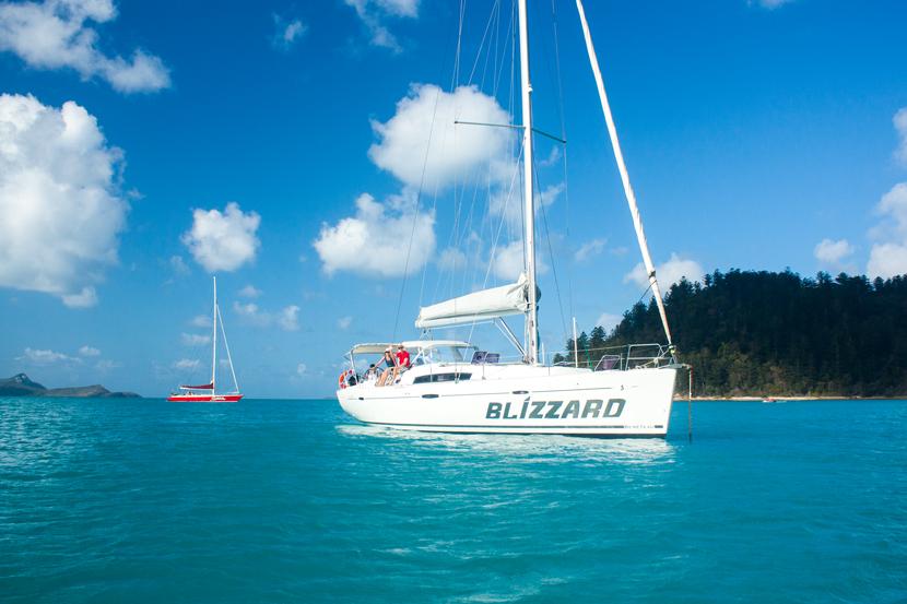 Ocean-Sailing-Blizzard-Whitsunday-Islands-Snorkeling-Turtle-BelleMelange-01