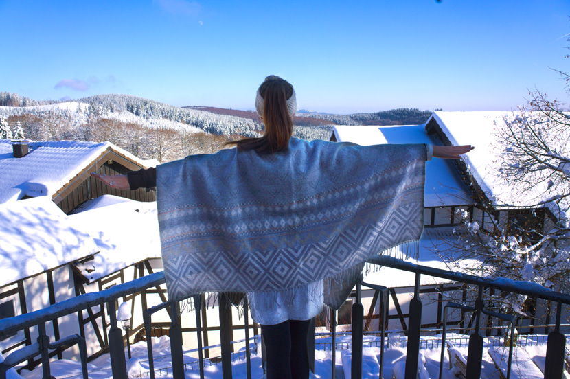 Schnee-Poncho-Winter-BelleMelange-13
