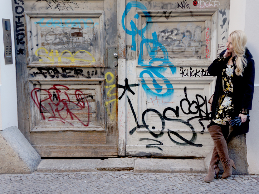 These-Berlin-Days-Flowerprint-Dress-Overknees_Blog_Belle-Melange_Fashion-OOTD-MBFW_5
