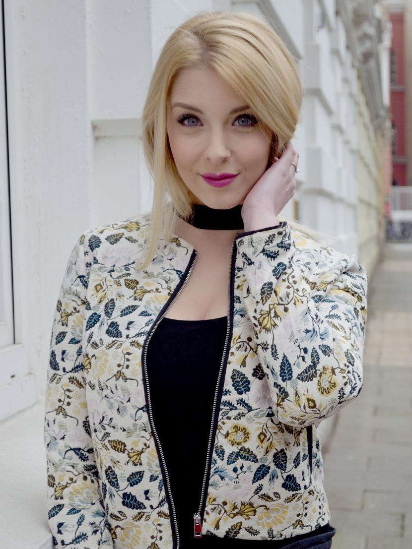 Frühlingslook-Jacquard-Blüten-Blazer-Blog-Belle-Melange-Outfit-Look_Modetrend_4
