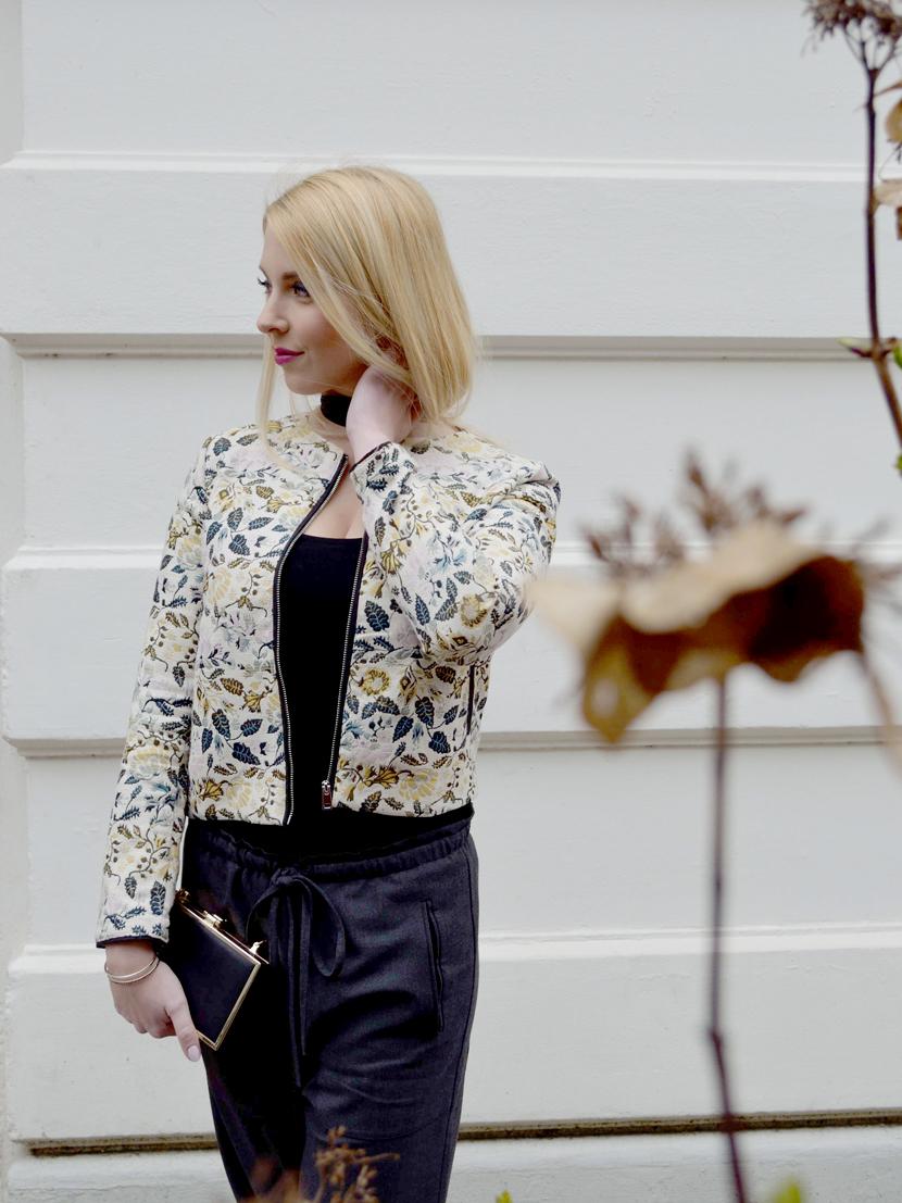 Frühlingslook-Jacquard-Blüten-Blazer-Blog-Belle-Melange-Outfit-Look_Modetrend_6